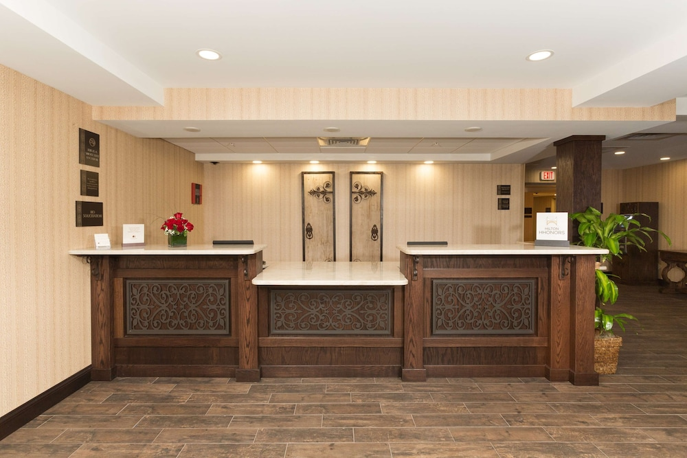 https://i.travelapi.com/hotels/1000000/20000/14500/14483/3ab3d104_z.jpg