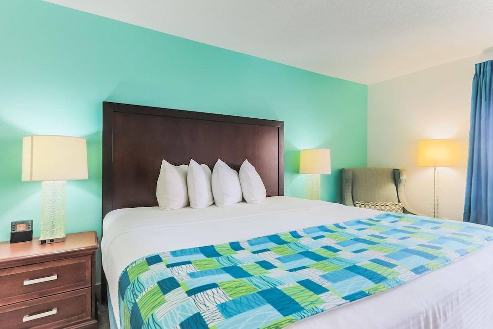 https://i.travelapi.com/hotels/1000000/20000/14500/14499/0e79ce9d_z.jpg
