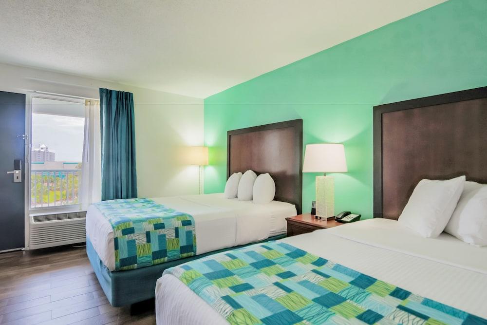 https://i.travelapi.com/hotels/1000000/20000/14500/14499/545a1b60_z.jpg