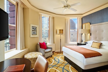 Classic Room, 1 Queen Bed, City View