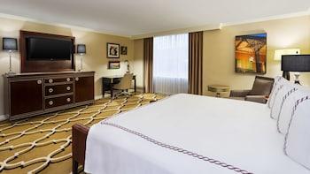 Room, 1 King Bed (Top Floor)