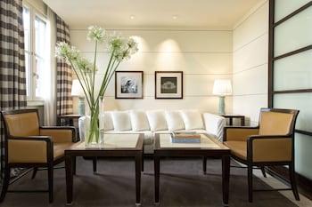 ギャラリー ホテル アート - ルンガルノ コレクション