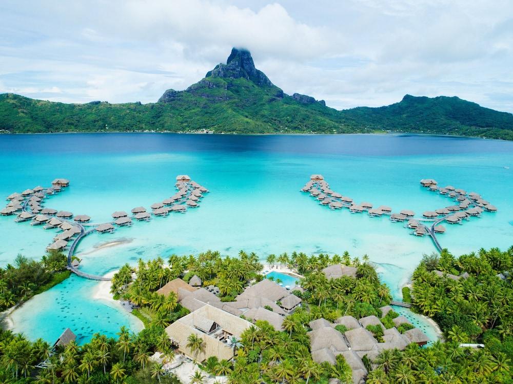 https://i.travelapi.com/hotels/1000000/20000/14700/14637/1f4fa1af_z.jpg