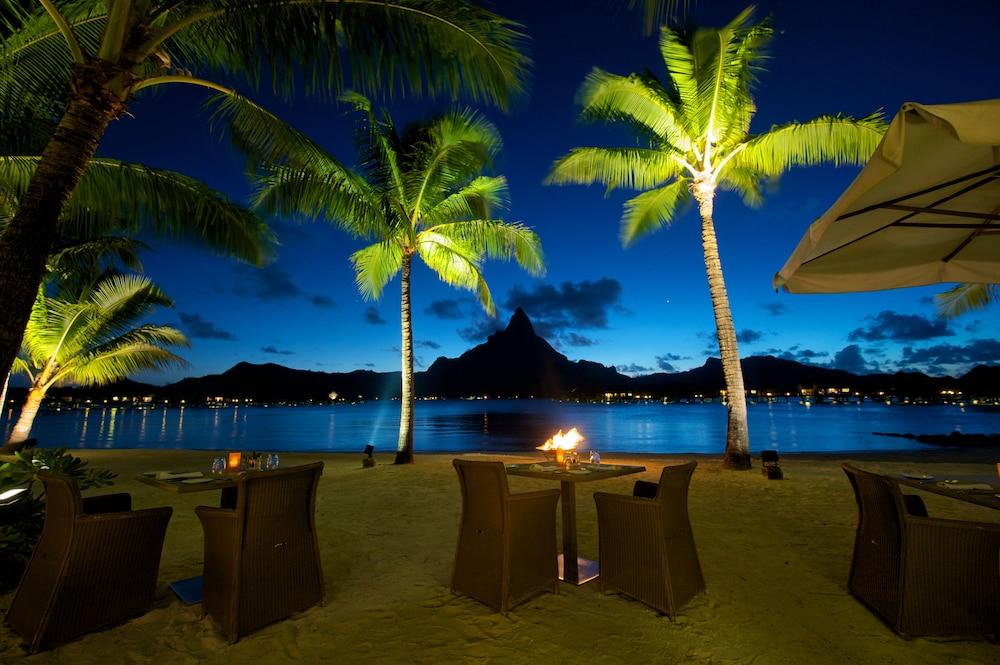https://i.travelapi.com/hotels/1000000/20000/14700/14637/4507f08e_z.jpg