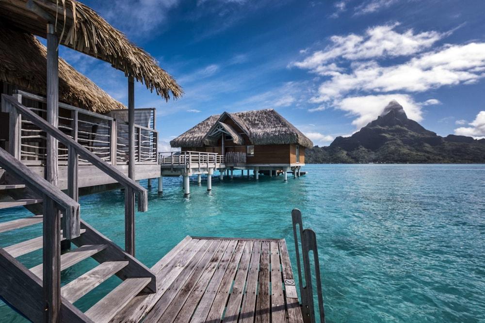 https://i.travelapi.com/hotels/1000000/20000/14700/14637/597d6706_z.jpg