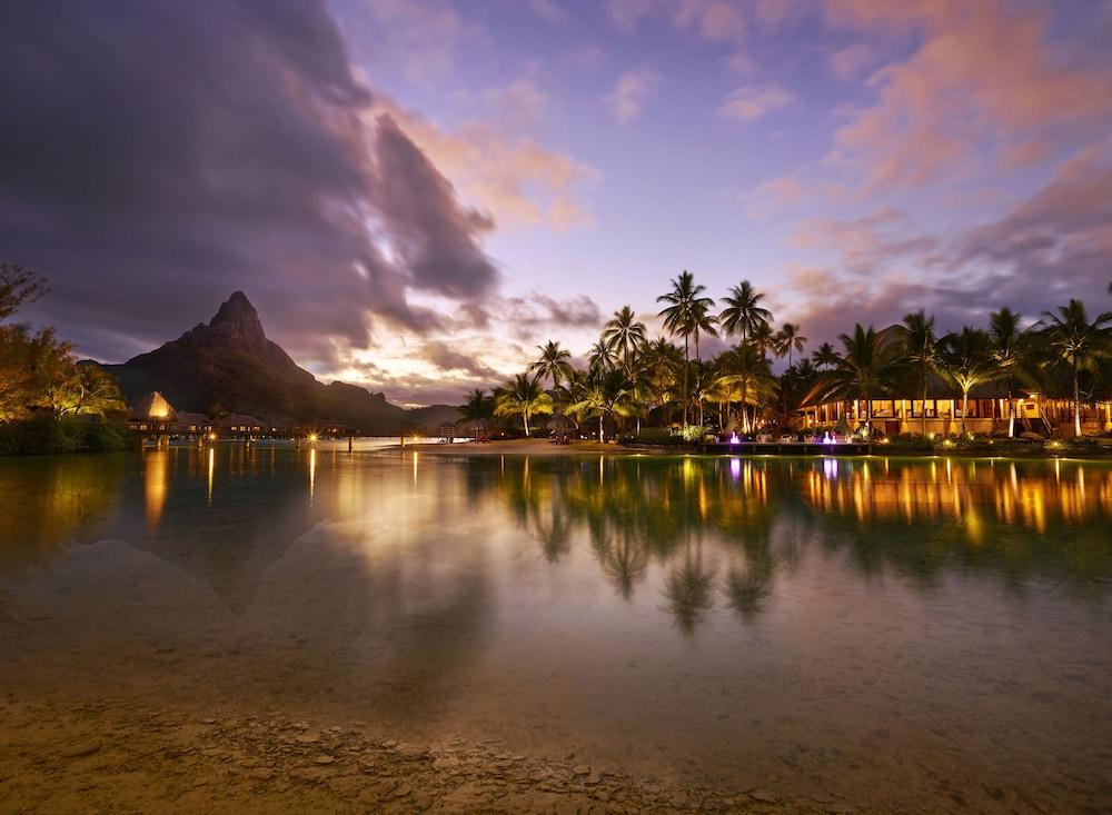 https://i.travelapi.com/hotels/1000000/20000/14700/14637/6eeff3d8_z.jpg