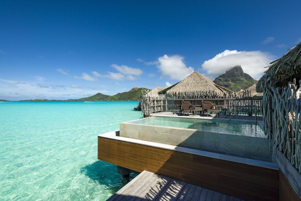 https://i.travelapi.com/hotels/1000000/20000/14700/14637/8304131b_z.jpg