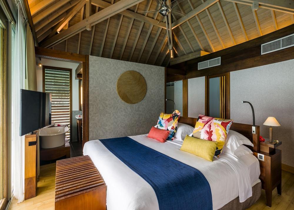 https://i.travelapi.com/hotels/1000000/20000/14700/14637/83c88260_z.jpg