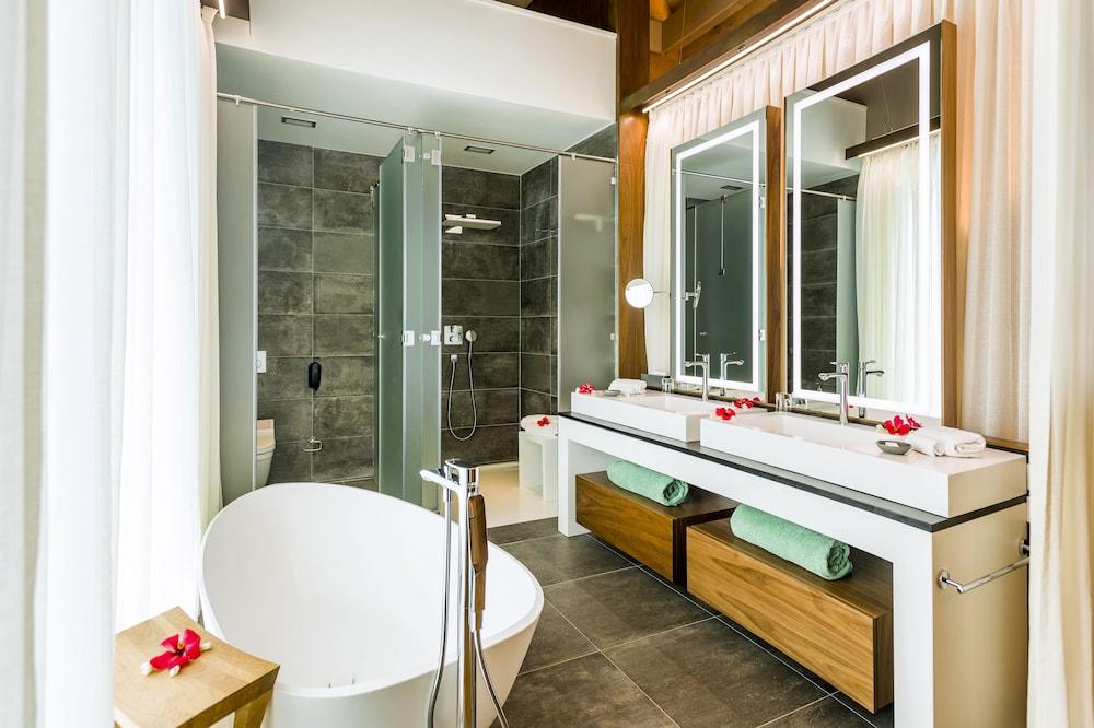 https://i.travelapi.com/hotels/1000000/20000/14700/14637/889af375_z.jpg