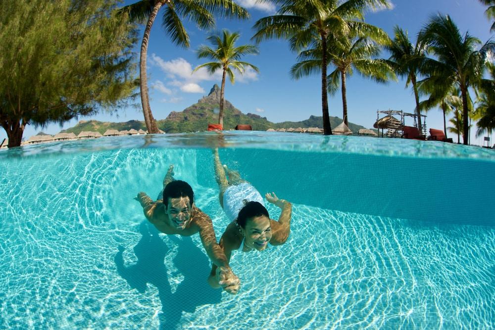 https://i.travelapi.com/hotels/1000000/20000/14700/14637/8df6d68f_z.jpg