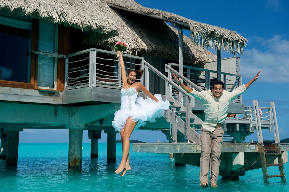 https://i.travelapi.com/hotels/1000000/20000/14700/14637/abf22acc_z.jpg