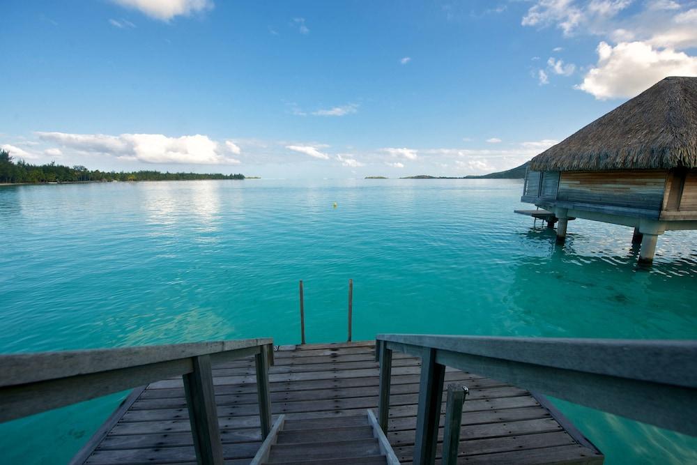 https://i.travelapi.com/hotels/1000000/20000/14700/14637/c8cf2ceb_z.jpg