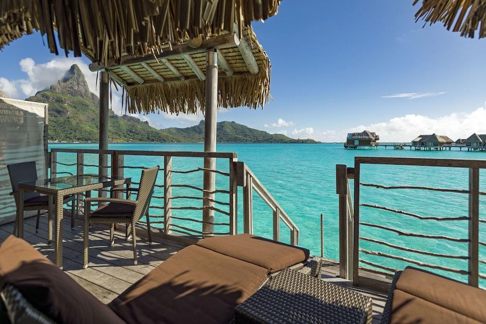 https://i.travelapi.com/hotels/1000000/20000/14700/14637/e1f67b2c_z.jpg