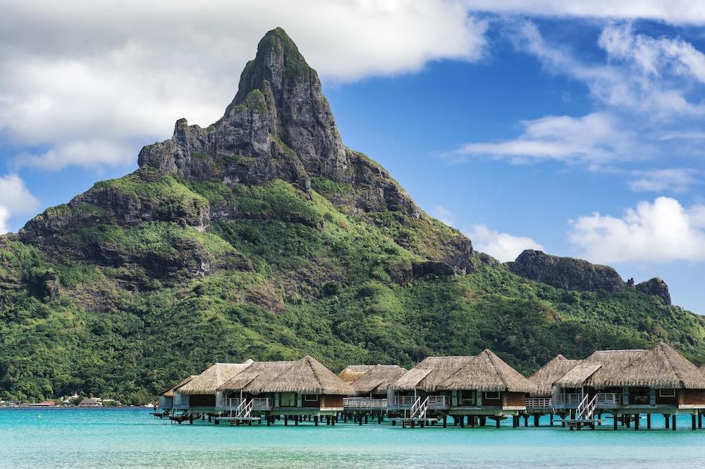 https://i.travelapi.com/hotels/1000000/20000/14700/14637/f0c1c147_z.jpg