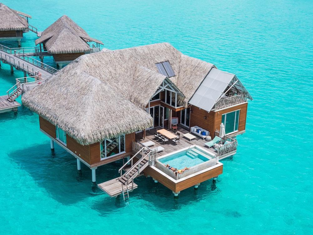 https://i.travelapi.com/hotels/1000000/20000/14700/14637/f150af46_z.jpg