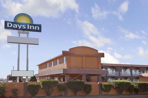 . Days Inn by Wyndham Socorro
