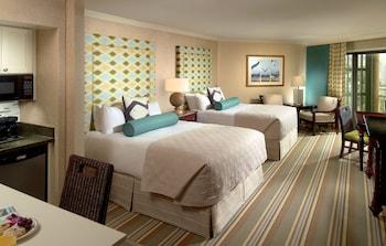 Guestroom at Omni Hilton Head Oceanfront Resort in Hilton Head Island