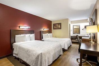 Guestroom at Red Roof Inn PLUS+ Baltimore - Washington DC/BWI Airport in Linthicum Heights