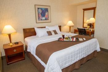Guestroom at The Inn at Longwood Medical in Boston