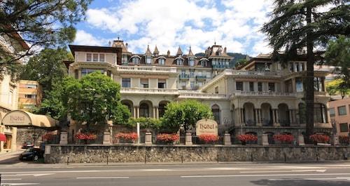 . Villa Toscane
