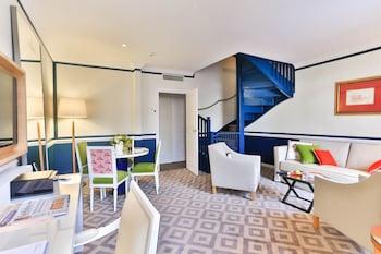 2 Bedroom Deluxe Suite – Patio View
