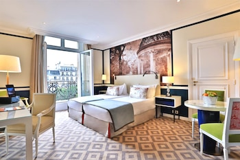 Executive Suite – Champs Elysees View