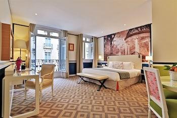 Deluxe Suite – Patio View