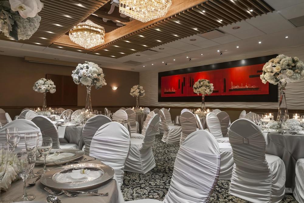 포코 인 앤 스위트 호텔 & 컨퍼런스 센터(Poco Inn and Suites Hotel & Conference Centre) Hotel Image 21 - Banquet Hall