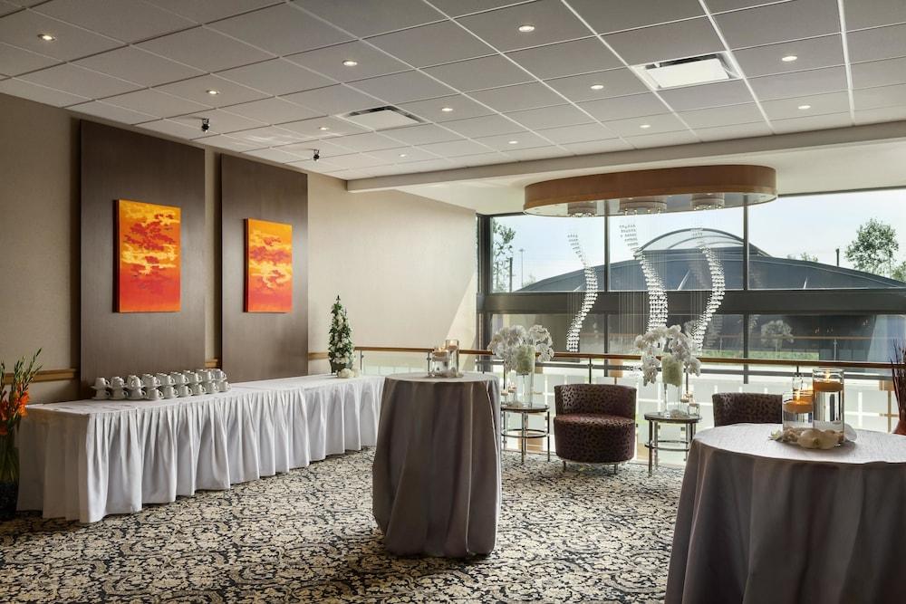 포코 인 앤 스위트 호텔 & 컨퍼런스 센터(Poco Inn and Suites Hotel & Conference Centre) Hotel Image 22 - Reception Hall