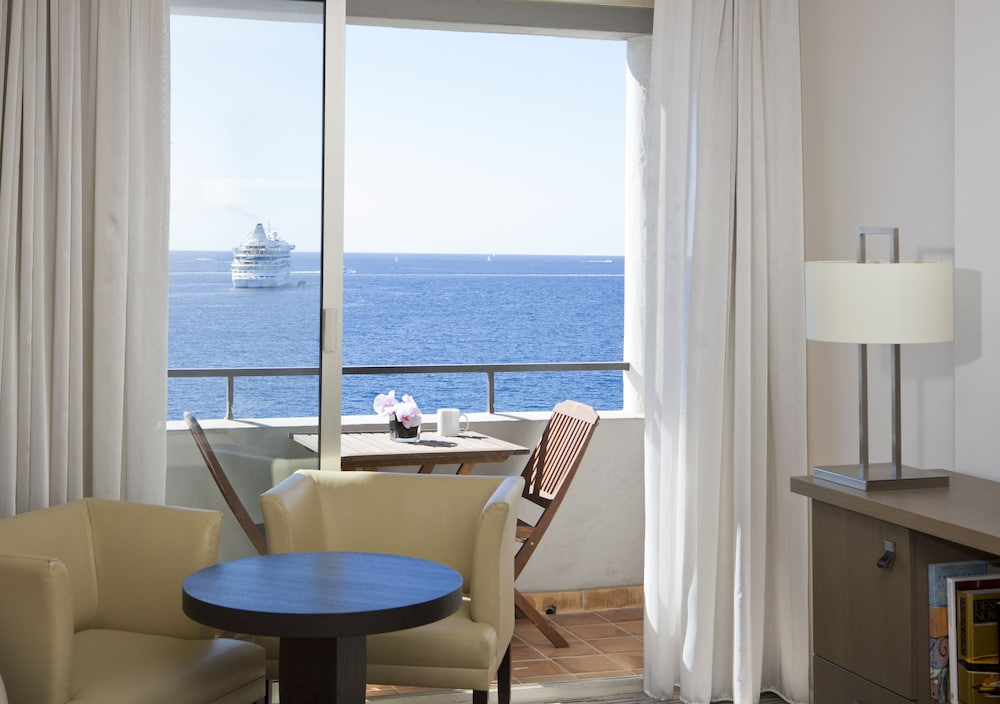Radisson Blu 1835 Hotel and Thalasso Cannes | Classic Vacations