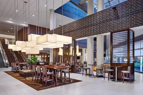 . Sheraton Indianapolis Hotel at Keystone Crossing