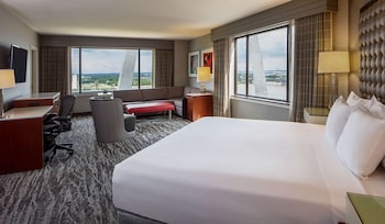 Deluxe Room, 1 King Bed, View (ARCH)