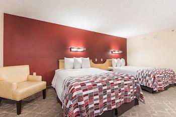 Standard Room, 2 Queen Beds (Smoke Free)