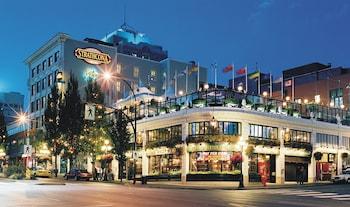 Hotel - Strathcona Hotel