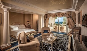 Suite, 1 King Bed (Alcove)