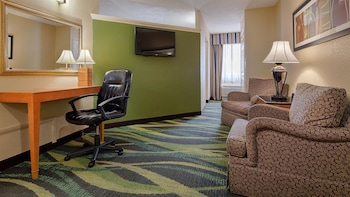 Guestroom at Best Western Plus Philadelphia Bensalem Hotel in Bensalem