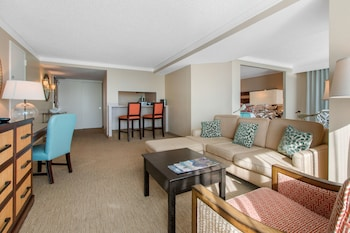 Suite, 1 King Bed, Bay View