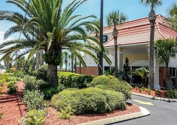 Quality Inn & Suites St Augustine Beach Area