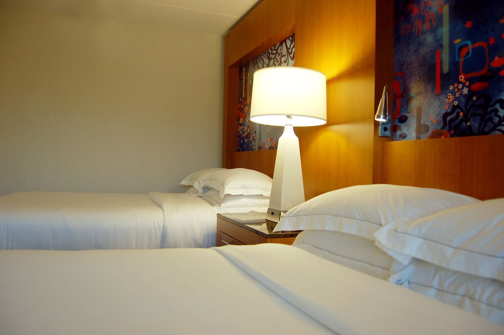 Room : Room, 2 Double Beds, Accessible 21 of 110