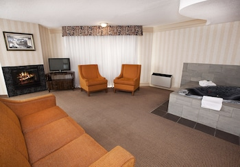Junior Suite, 1 Bedroom, Jetted Tub, City View