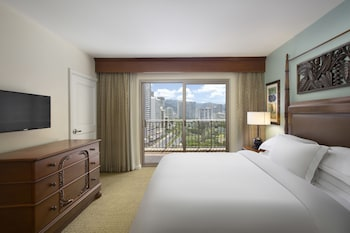 Suite, 1 Bedroom, Accessible, City View (Hearing, Roll-in Shower)