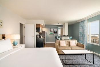 Basic Double Room, 2 Queen Beds, Balcony, Partial Ocean View