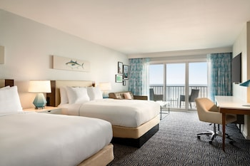 Junior Suite, 2 Queen Beds, Balcony, Oceanfront