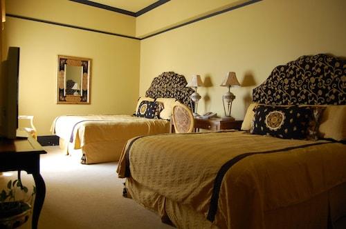 The Fairmount Hotel, Bexar