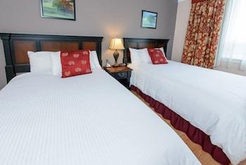 Standard Room, 2 Queen Beds, Refrigerator