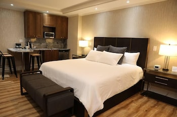 Suite, 1 King Bed with Sofa bed, Refrigerator