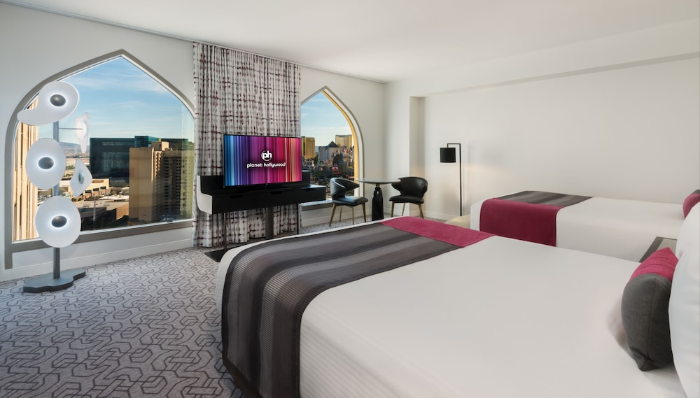 Room : Room, 2 Queen Beds, Non Smoking (Ultra Resort (Newly Renovated)) 32 of 71