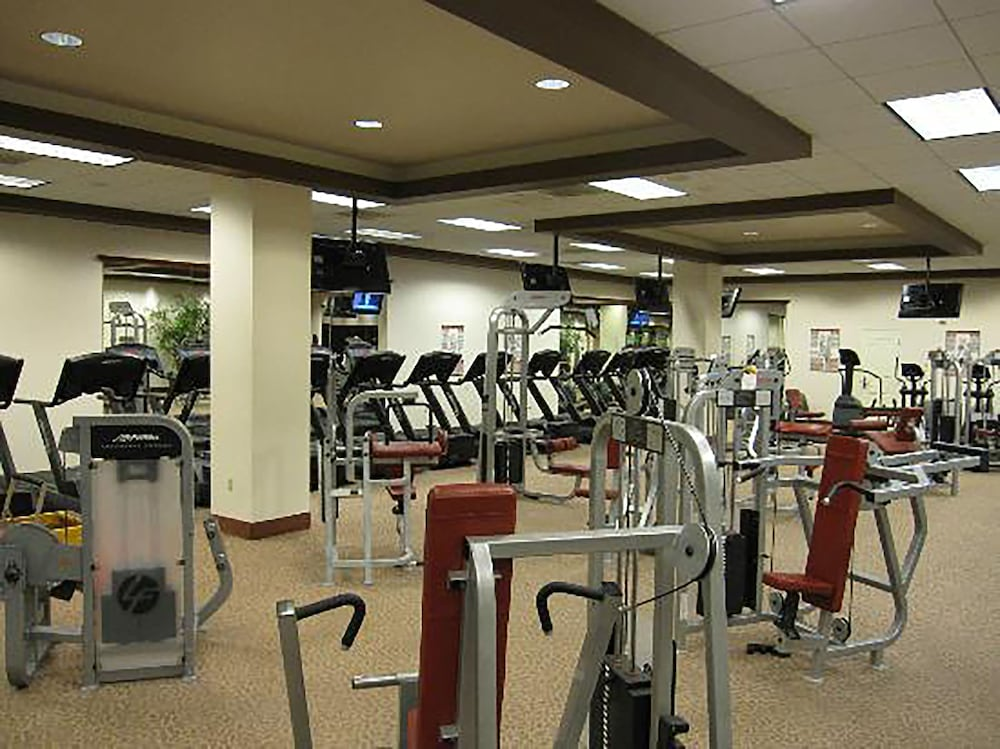 Health and Fitness : Fitness Facility 37 of 71
