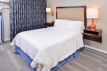 Room, 1 Double Bed, Accessible, Bathtub