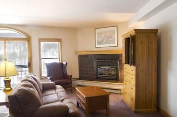 Deluxe Studio, Fireplace